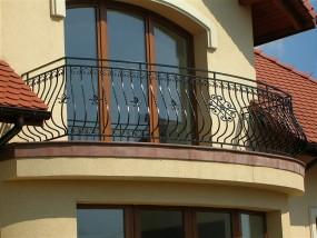 Balustrady balkonowe kute