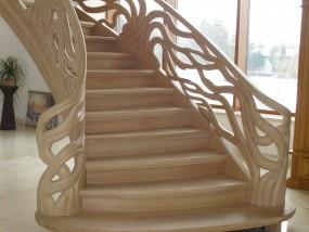 Schody gięte - LEGAR - schody z drewna Drużbice