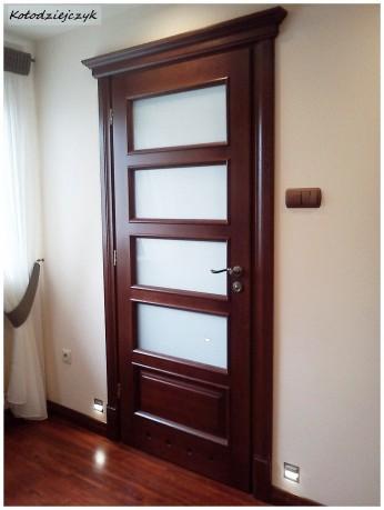Pod oga i drzwi z dekoracyjnym portalem stolarka lublin for Drzwi z portalem