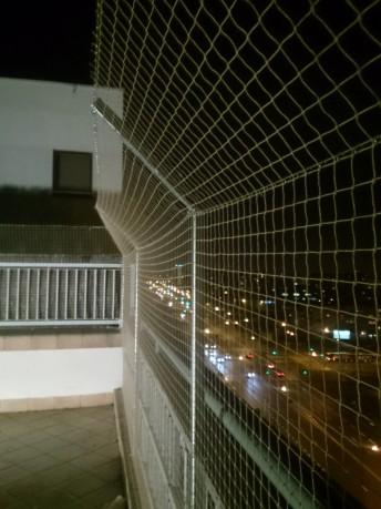 Siatka ochronna na balkon dla dzieci