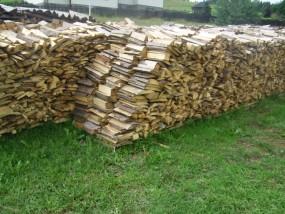 Drewno kominkowe - Firma Handlowo-Usługowa  ISKIERKA  Nowe Bystre