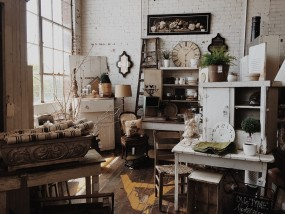 Odnawianie mebli - Kwiaciarnia Atelier Studio Anna Jasińska Nidzica