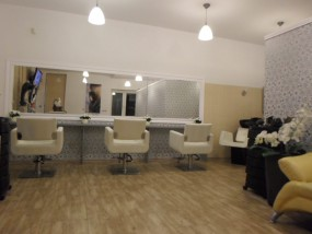 Solarium nowe lampy !! - Salon fryzur Maxima Solarium Kosmetyka Płock