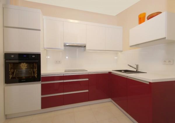 Kuchnia biało czerwona – Meble kuchenne na wymiar Warszawa