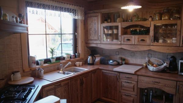 Rustykalna rzeźbiona kuchnia na zamówienie Meble   -> Kuchnia Meble Na Zamówienie
