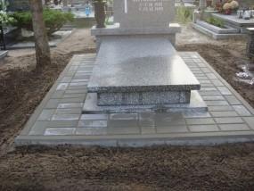 Naprawa pomników - Czyszczenie i podnoszenie nagrobków,opieka nad grobem Toruń