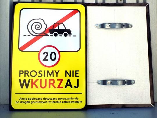 Znaki, tablice...