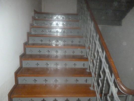 schody drewniane po...