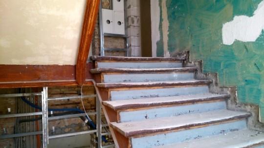 schody przed...