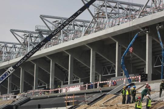 Budowa stadionu w...