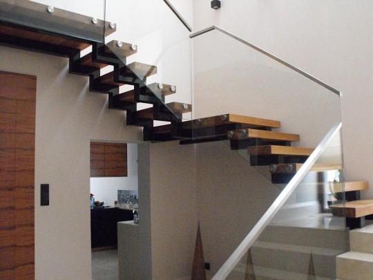 schody szmonośne...