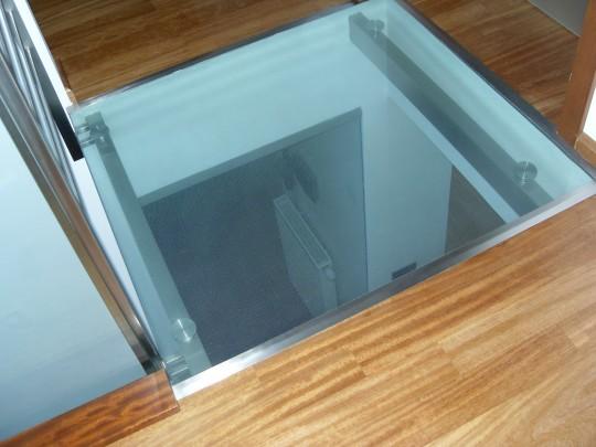szklane podłogi