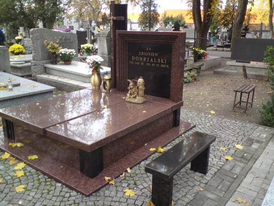 Pomnik granitowy...