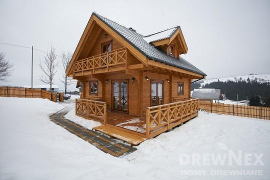 Dom z drewna...