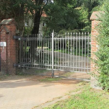 Renowacja bram...