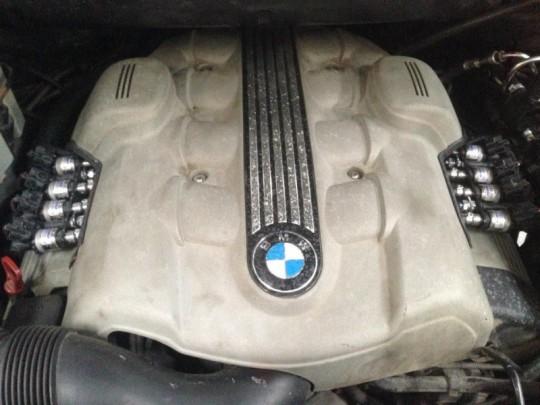 silnik V8 BMW z...