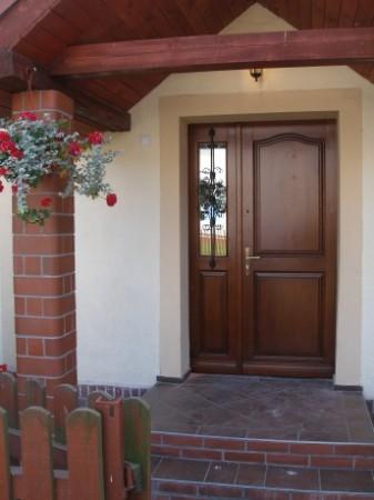 drzwi drewniane...