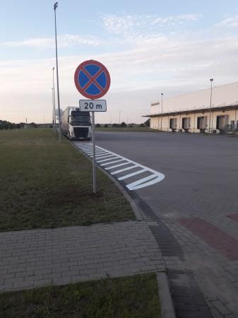 Znaki drogowe,...