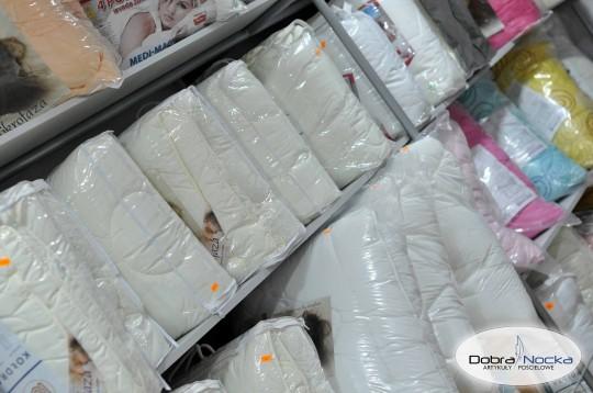 kołdry i poduszki...