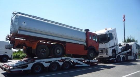 Skup ciężarówek,...