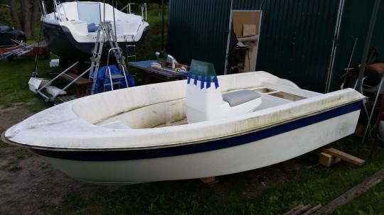 Naprawa łodzi