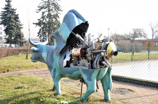 Mechaniczna krowa.