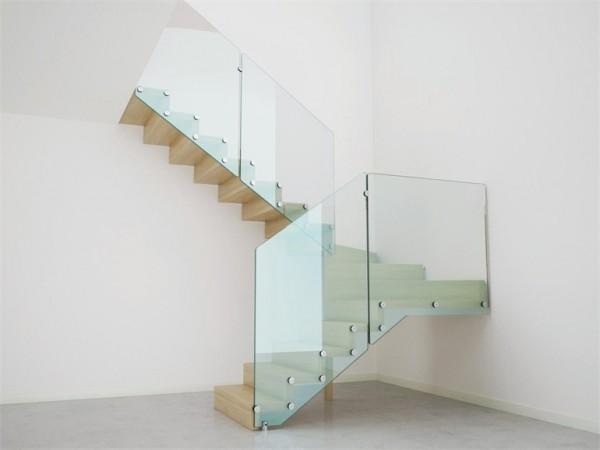 https://i.st-firmy.net/93th5kl/balustrady-szklane-na-wymiar-pola-decor-daniel-butkiewicz.jpg