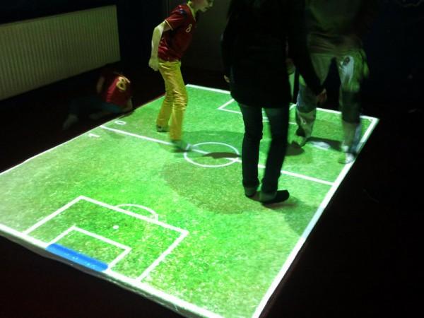 Masywnie Podłoga interaktywna FunFloor Standard Zestaw:projektor,komputer IW87